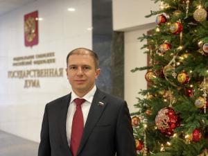 Михаил Романов обратился в МЧС России с требованием проверить все точки торговли пиротехникой в Колпинском и Фрунзенском районах