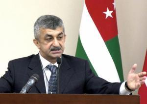 ВААК предложил всем кандидатам в президенты Абхазии помочь в решении острых проблем людей