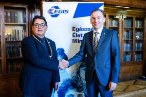 Старейший медицинский университет Венгрии и фармацевтическая компания «ЭГИС» подписали соглашение о сотрудничестве