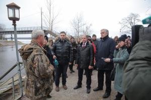 На необходимость особого ухода за воинскими мемориалами обратил внимание властей Михаил Романов