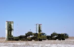 Концерн ВКО «Алмаз – Антей» досрочно передал Минобороны России первый в 2020 году полк С-400 «Триумф»