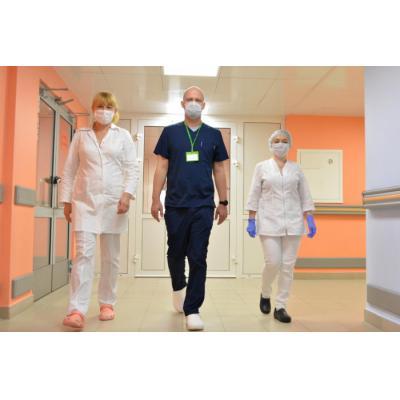 Сrocs передал сабо в московские больницы