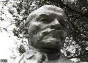 Памятник Ленину восстановят летом