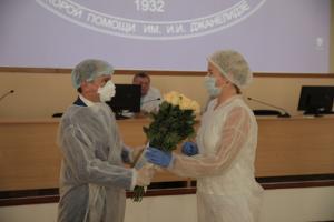 Михаил Романов посетил НИИ скорой помощи им. И.И. Джанелидзе и поздравил медицинских работников с профессиональным праздником