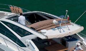 Компания Webasto представляет недорогой технологичный судовой люк Blue Sky