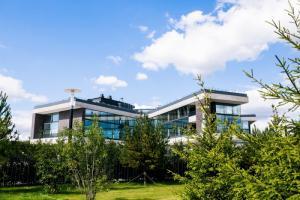 В Подмосковье открывается Wunderpark International School по проекту бюро Archstruktura