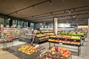 Розничная торговля и осознанное потребление: новый взгляд на пластик и упаковку
