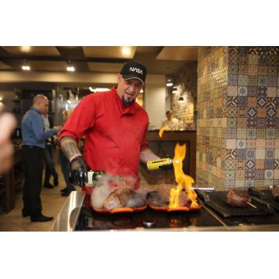 В Москве прошла презентация нового мясного бренда «Стейковка» в формате мастер-класса с популярным шеф-поваром