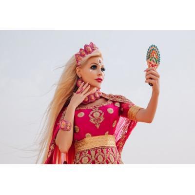В Дубае завершились съемки клипа Русской Барби Тани Тузовой на свою песню Я-Живая