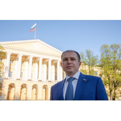Михаил Романов: «Культурная жизнь Санкт-Петербурга невосприимчива к пандемии»