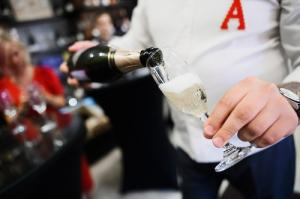 Фирменный бутик Ателье вина «Абрау-Дюрсо» отпраздновал первый день рождения в Иркутске