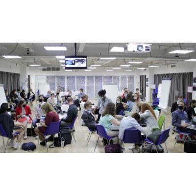 В Москве проходит Международный молодежный форум «Образ будущего, которое мы хотим: Форсайт 2100»
