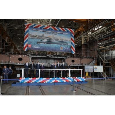 Михаил Романов принял участие в закладке нового пассажирского судна «Виктор Астафьев»