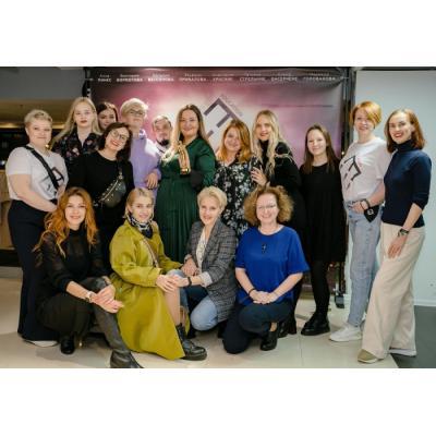Топ-колорист Анна Пинес презентовала первый документальный фильм о beauty-индустрии