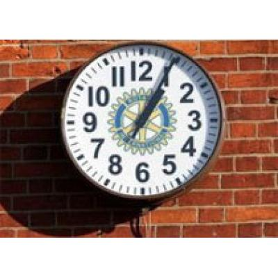 Неправильные часы станут новой достопримечательностью
