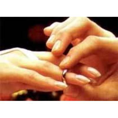 Браки по расчету - новая тенденция для западных женщин?