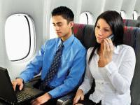 Авиакомпании разрешают мобильные звонки