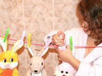 Маленький помощник: как приучать малыша к работе по дому?