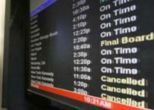 Из-за нового урагана в США отменены авиарейсы