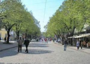 Дерибасовскую улицу в Одессе стала только пешеходной