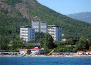 В этом году в Крыму намечено открыть более 500 пляжей