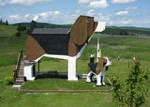 В Айдахо открылся отель в виде огромной собаки