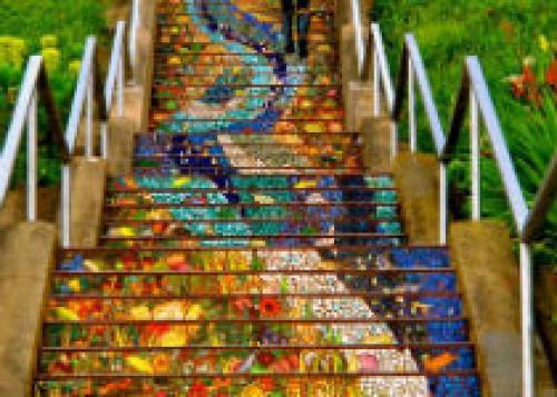 Яркая лестница в Сан-Франциско