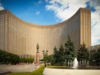 Столичный гостиничный комплекс Космос рекомендует посетить ВДНХ в июне