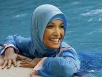 Купальник для мусульманок: открыты лицо, ладони и ступни
