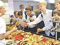 Витаминный рацион: Родители будут оплачивать школьные обеды через терминалы