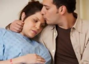 Нужно ли подпускать мужа к родам