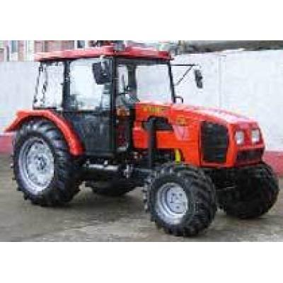 На прошедшей в Кишиневе XVII Международной специализированной выставке «Молдагротех-2009» садово-виноградниковый трактор «Беларус» получил Гран-при на конкурсе «Новинка года – 2009»