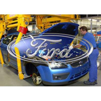 Российские заводы Ford и Toyota в понедельник остановят производство