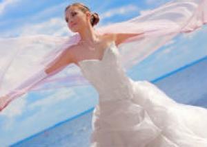 Выбираем свадебные перчатки и бижутерию