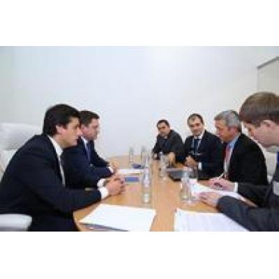 Министр энергетики РФ Александр Новак встретился с международным руководством компании Schneider Electric