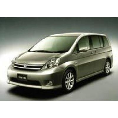 Toyota отзывает минивэны Toyota Isis