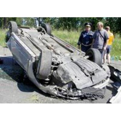 На Ярославском шоссе перевернулся автомобиль