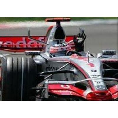 Команда McLaren получила штраф $50 000 за непроверенную коробку передач