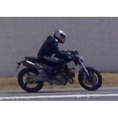 Шпионский снимок нового мотоцикла Ducati Monster 2008