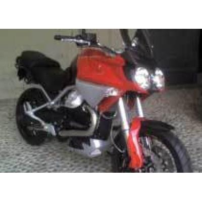 Первые фотографии нового мотоцикла Moto Guzzi Stelvio 1200