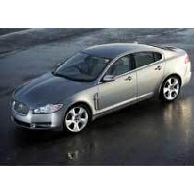 В Англии выпущен первый серийный Jaguar XF