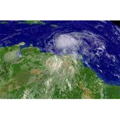 """Ураган """"Эрнесто"""" приближается к побережью США"""