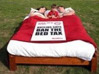 "Туристы в Англии протестуют против введения ""налога на кровати"""