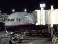 В аэропорту Денвера обвалился `рукав` для пассажиров