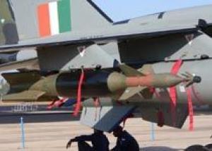 Индия испытала авиабомбы с лазерным наведением