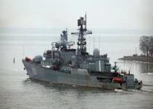`Неустрашимый` охраняет конвой из 3 судов в районе Африканского Рога