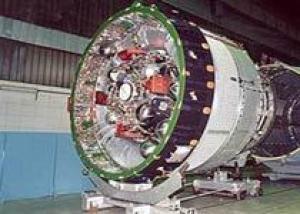 Авиакомпания `Полет` доставила на космодром Байконур разгонный блок `Бриз-М` для запуска КА `Экостар-14`
