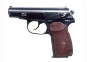 В Ижевске неизвестный по поддельной лицензии купил 35 пистолетов ИЖ-71