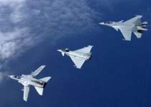 Истребители СУ-30МКИ и Rafale сразяться в небе над Францией