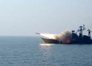 В Индии спущен на воду ракетный эсминец `Ченнаи`, который будет оснащен ракетами `Брамос`